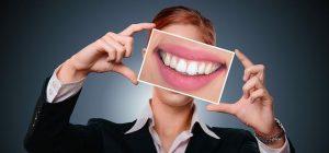 Implantat povrne funkcionalnost in lep izgled zobovja, s tem pa zviša tudi kakovost življenja