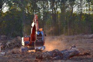 Včasih imajo peleti cenik nekoliko dražji kot druga lesna biomasa, saj obstajajo razlike pri pripravi materiala